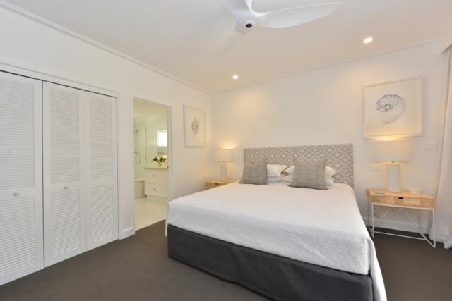 Building, Renovation, Cairns, Port Douglas, Bathroom, Ensuite, Painting, Éclat, Eclat, Marina Mirage, Villa Renovation, Builder, Far North Queensland
